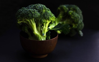 bowl-of-broccoli-2584307_640